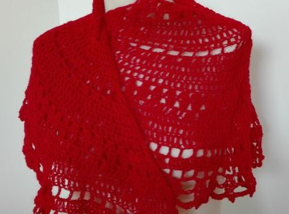 Roses are Red Shawl