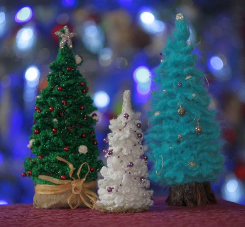 JEWELLERY HOLDER or Christmas tree -hand crocheted. | Felt