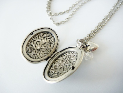 Gorgeous Silver locket with crystal