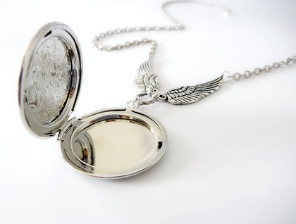 Winged Locket - Opening Locket in Silver with Angel wings