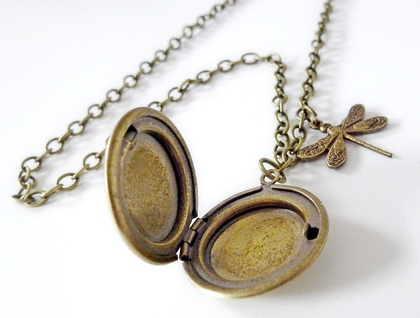 Vintage styled locket with Dragonfly.