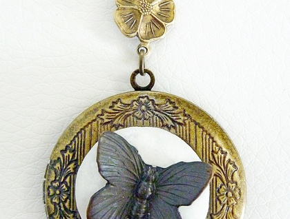 Black Butterfly Memory Keeper - Vintage Styled Locket