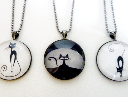 Purrrrfect Pendants. Funky Cat images, Choose the Left, Centre or Right Design
