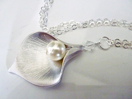 Gorgeous Calla Lily Pendant - Silver, Pearl & Crystal