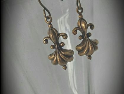 Fleur De Lis Earrings in Antiqued Brass
