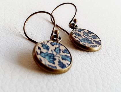 Earrings - Gorgeous printed wood inserts #2 - Set in Antiqued Brass