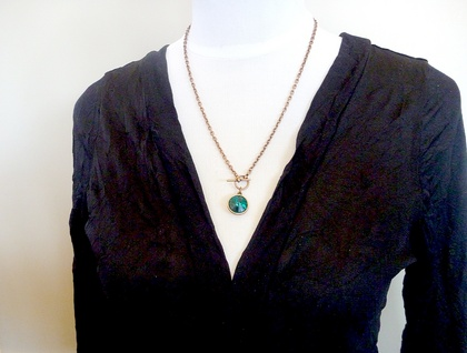 Emerald Swarovski Rivoli Crystal with an Antiqued copper Toggle and chain - FunkyGlam