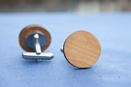 Kauri cufflinks - round - reclaimed wood