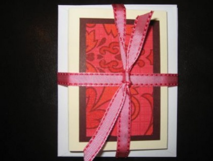 Retro wallpaper gift cards - reds and pinks