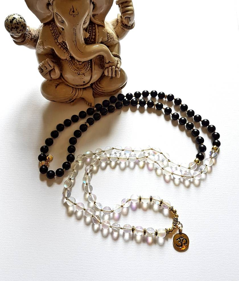 Yin and Yang - 108 hand knotted mala