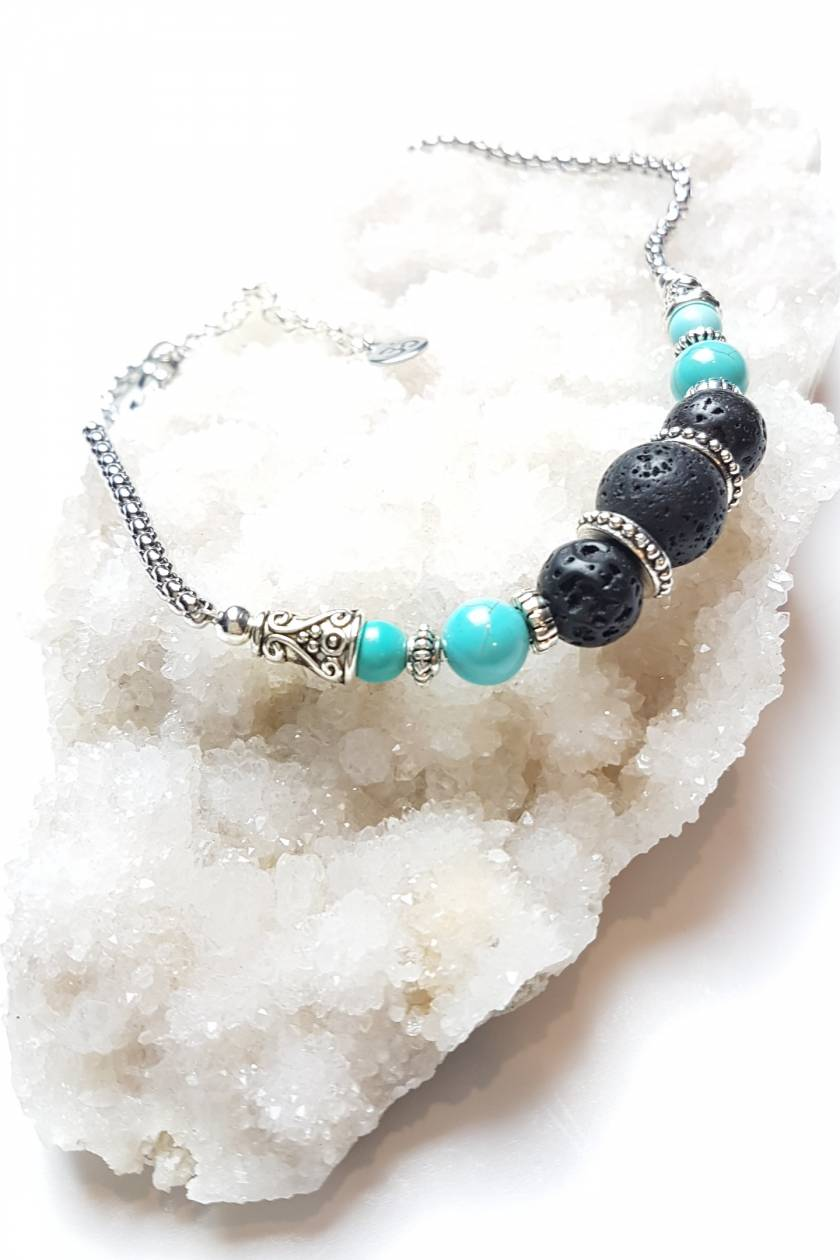 Serene Communication - howlite and basalt diffuser necklace.