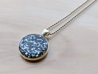 Glass Glitter Pendant necklace
