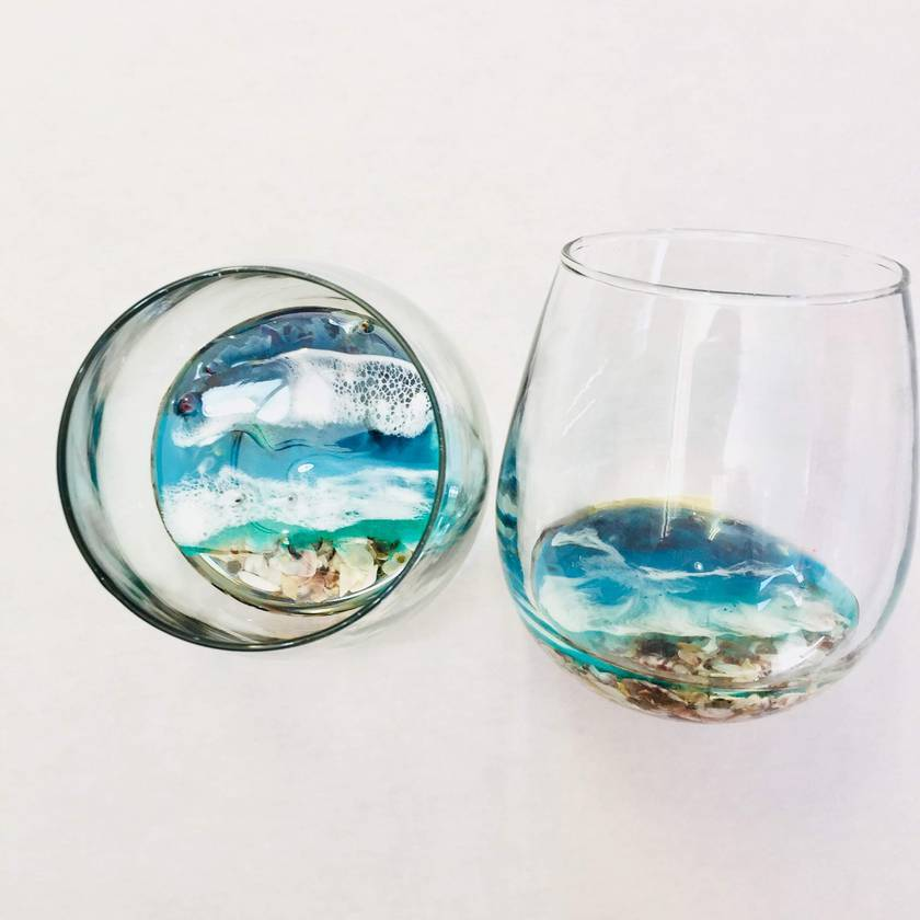 Shell Bottom Stemless Wineglasses