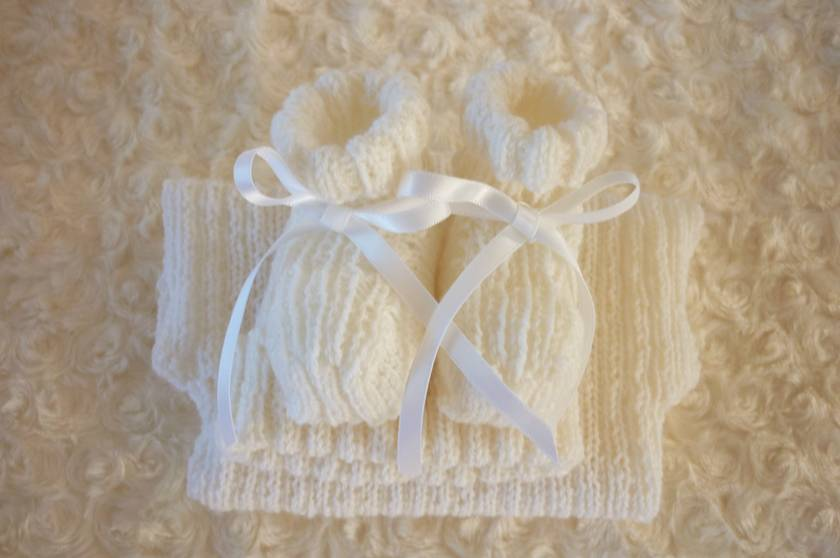 100% Merino Singlet,Beanie and Booties Set-Newborn