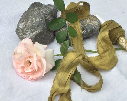 5m plant-dyed recycled sari silk ribbon – Olive