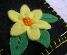 Pretty yellow daisy needle wallet