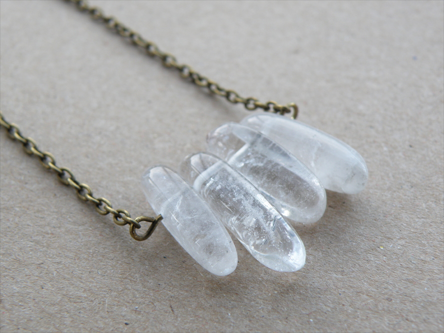 how to charge a clear quartz crystal