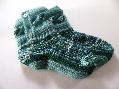 Shades of green bedsocks/slippers