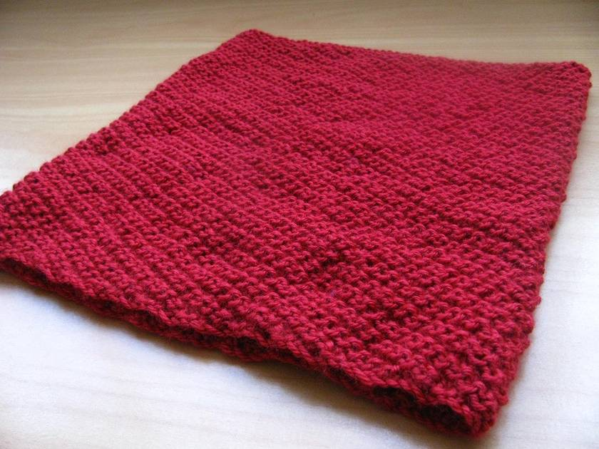 Swirling Sea Cowl in red