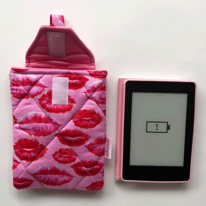 Lips -  Kindle Holder