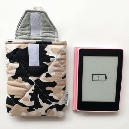 Camouflage -  Kindle Holder