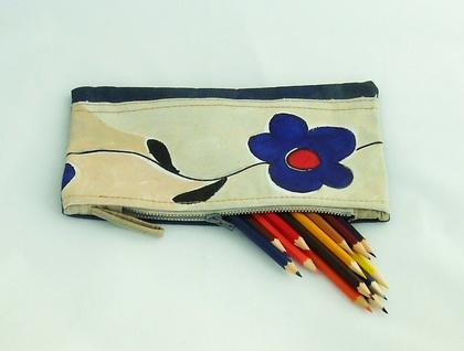 Quant flower  clutch bag