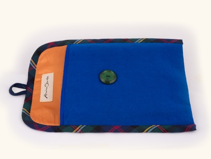 Tablet sleeve with tapestry