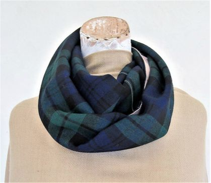 scarf in tartan wool and vintage floral cotton