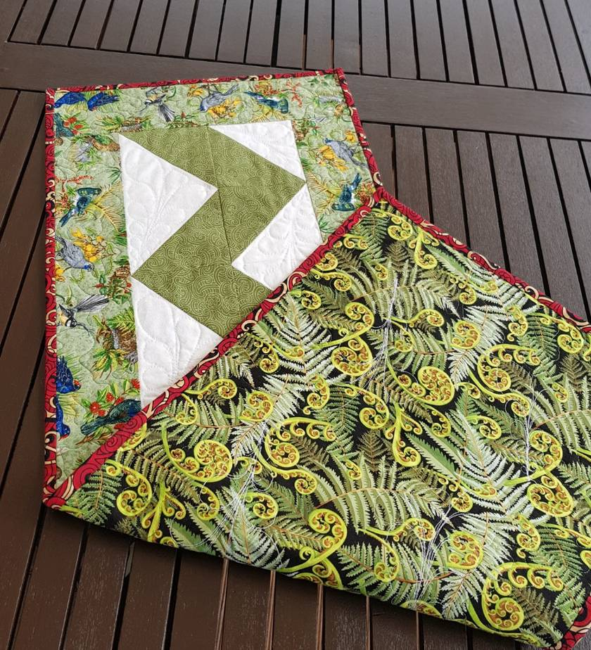 Kiwiana table runner
