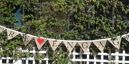 'WE'RE ENGAGED' hessian bunting