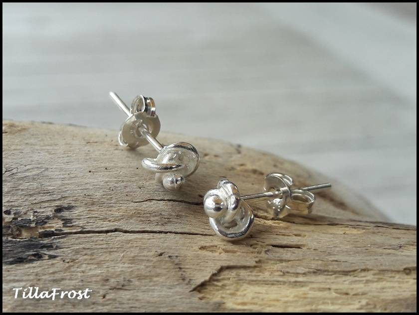 925S Sterling silver Knotted Stud earrings