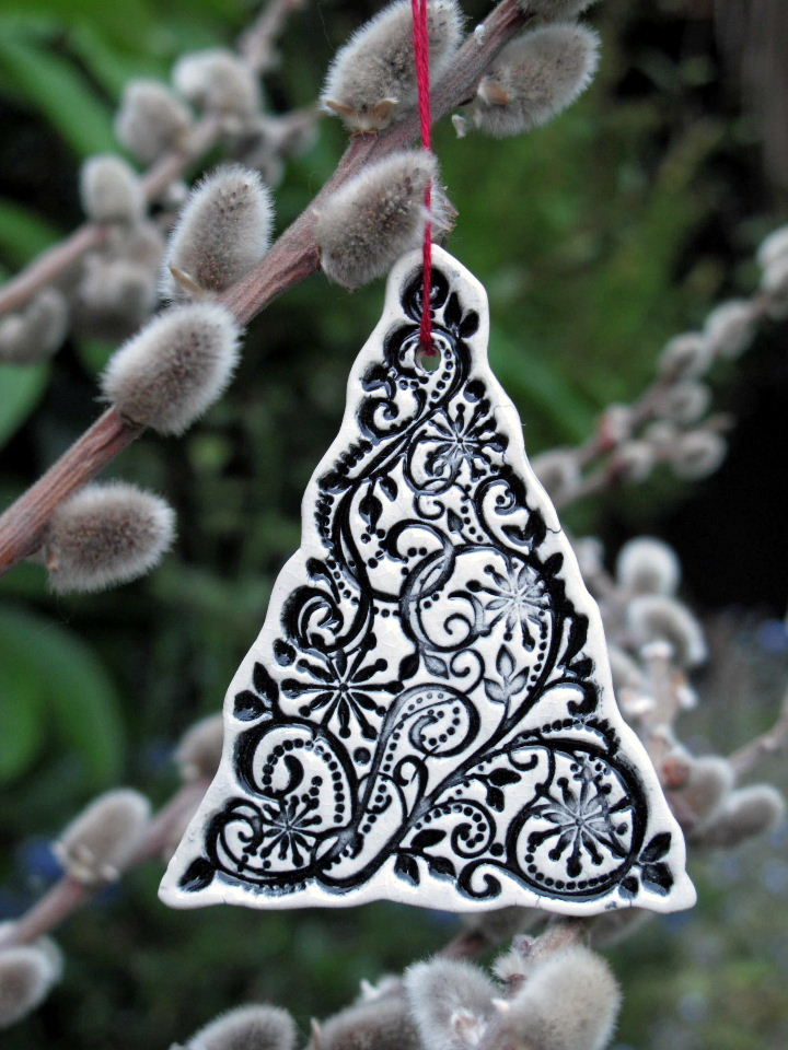 3 x Ceramic Christmas Tree Decorations / Black or White or ...