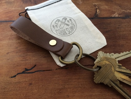 the 'Bancroft' Leather Keychain - dark brown or natural