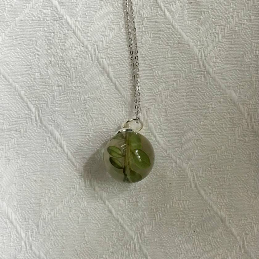 Native New Zealand Kowhai pendant | Real Kowhai leaves in a bio-resin sphere