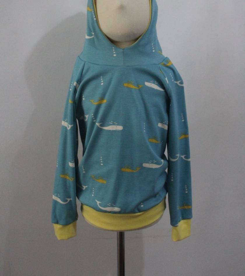 ORGANIC hoodie with whales 4/5 years
