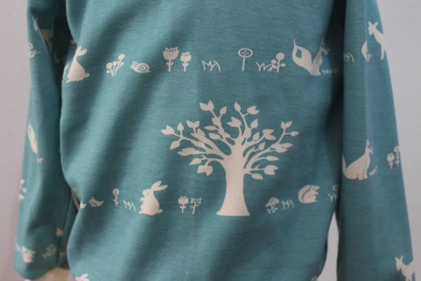 ORGANIC hoodie with forest animals 2/3 years