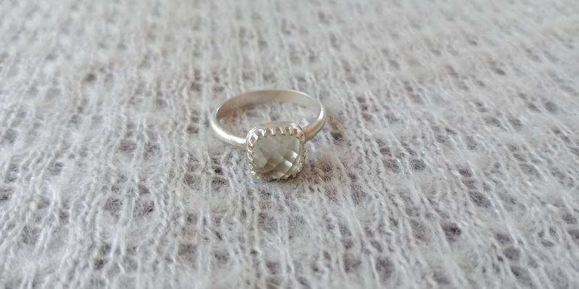 e813a91cf Light green amethyst and sterling silver ring | Felt