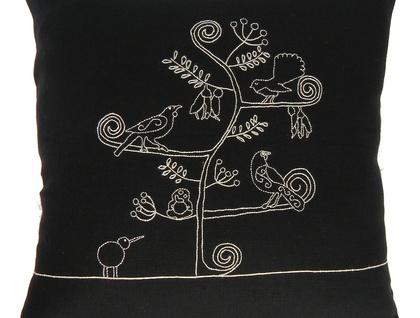 Embroidery pattern - Aotearoa Tree of Life