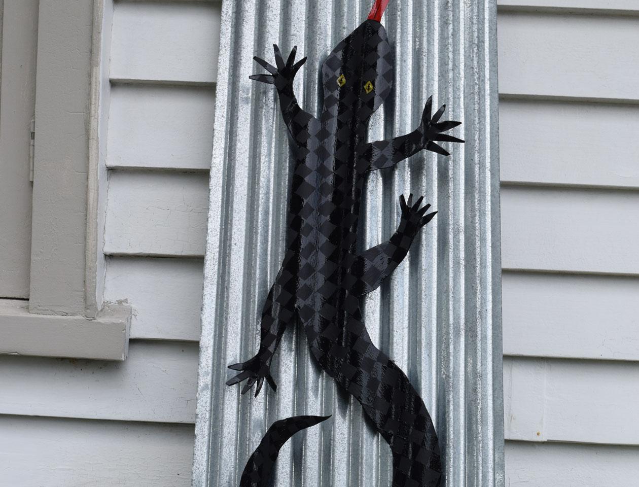Black On Black Lizard Corrugated Iron Garden Art   Felt