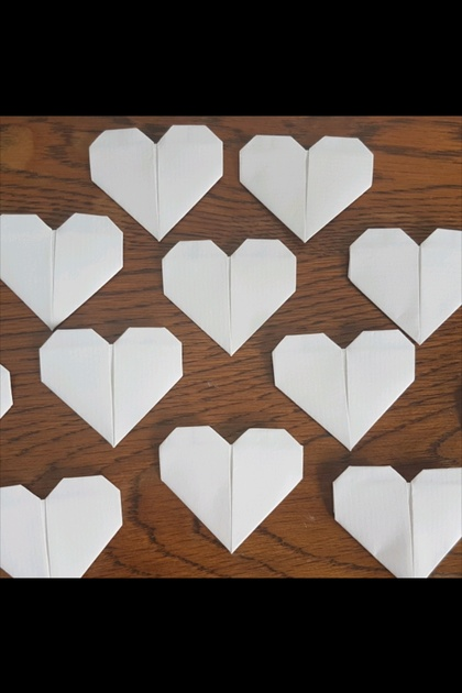 Set of 50 Origami hearts- White Matte