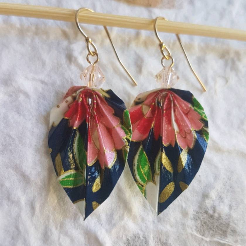Black and White Scraffito Origami Leaf Earrings - The Origami Boutique   840x840