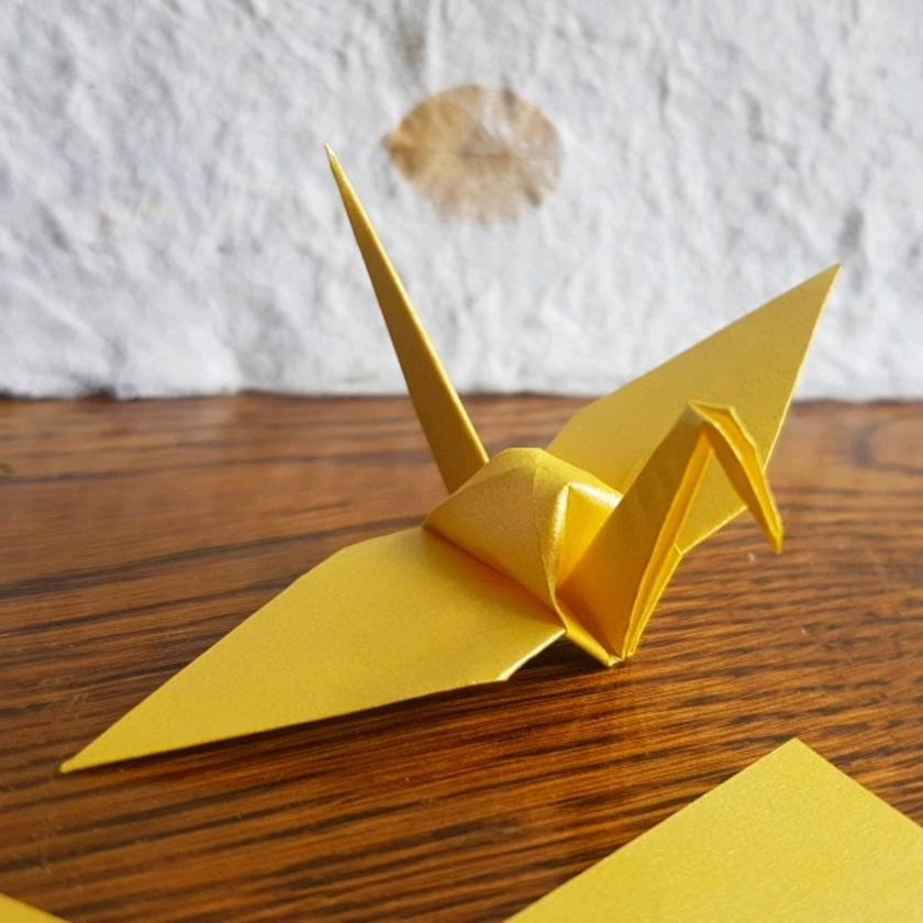 50 Origami Crane ~ bright Gold / Yellow shimmer ~ Medium