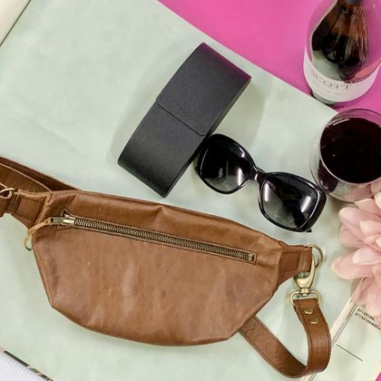 Eva fanny pack, leather