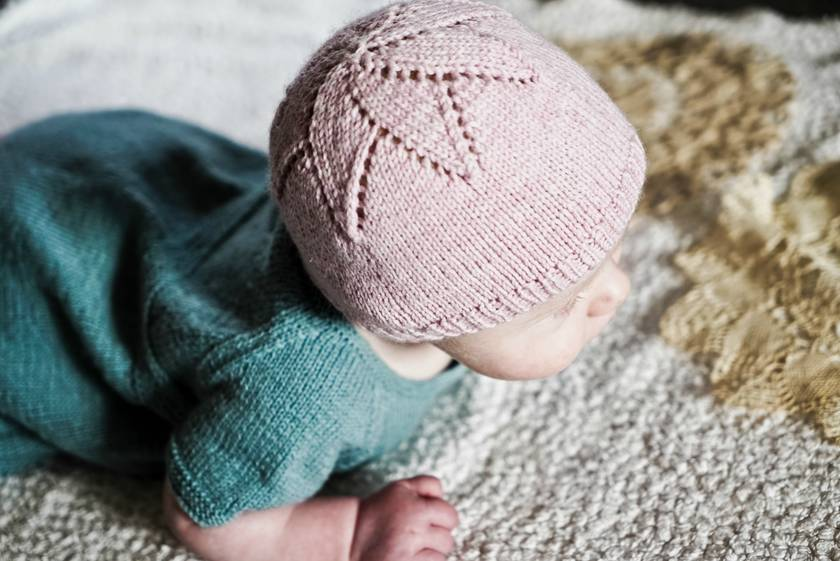 4ply Baby Star Hat Pattern - Baby Cakes by lisaFdesign