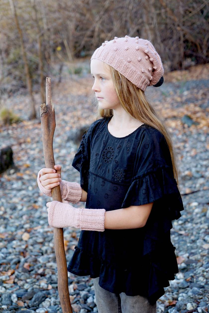 Lc37 Lucille Hat and Mitts - Little Cupcakes by lisaFdesign