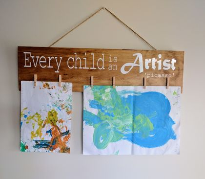 Child artwork display holder