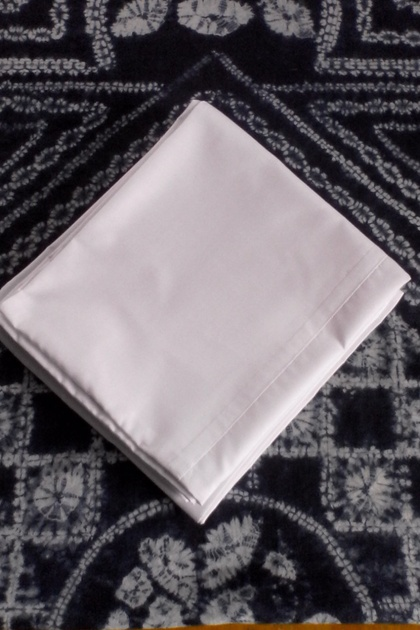 100% Cotton Pair King Size Pillow Cases (will fit Bambillo)