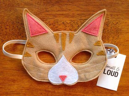 Tabby cat felt mask, soft & durable for kids' imaginative play