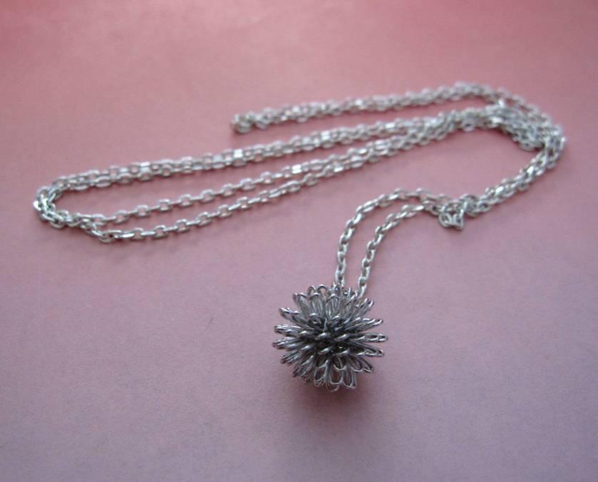 sale - Dandelion necklace