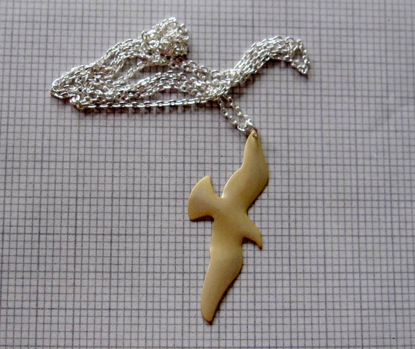 Pale gold glide necklace